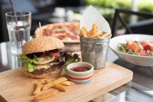 這家漢堡公司用一年的時間,讓粉絲數增加了360萬,他是怎麼辦到的?